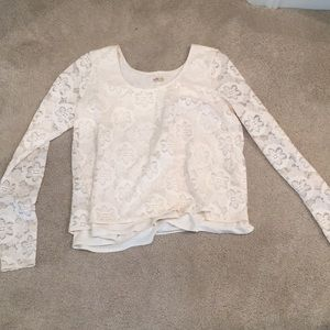 Hollister cropped long sleeved shirt